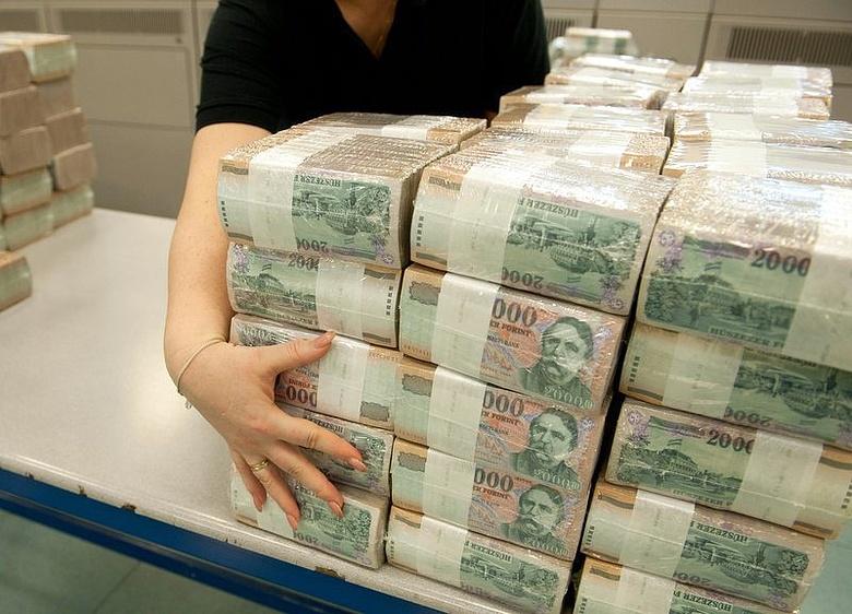 sok pénzt kereső emberek