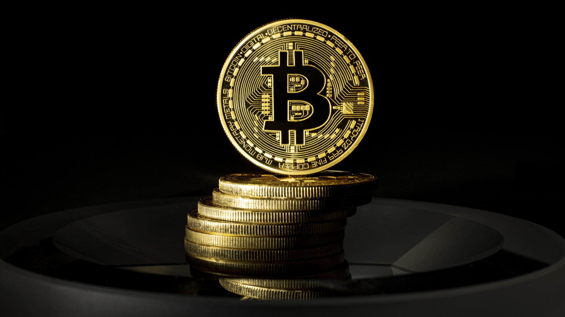 bitcoin pénz befektetés