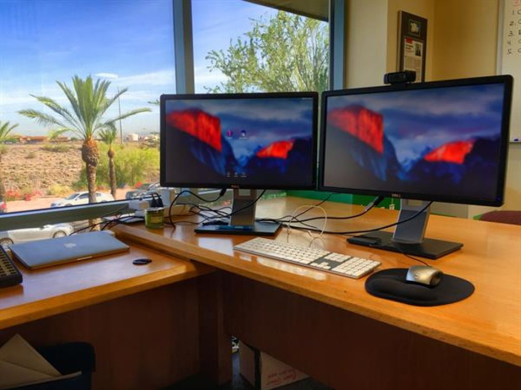 Teljes HD monitor a játékokhoz. A legjobb monitor kiválasztása a számítógépéhez
