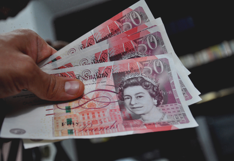anglia pénzt keres az interneten az interneten keresztül