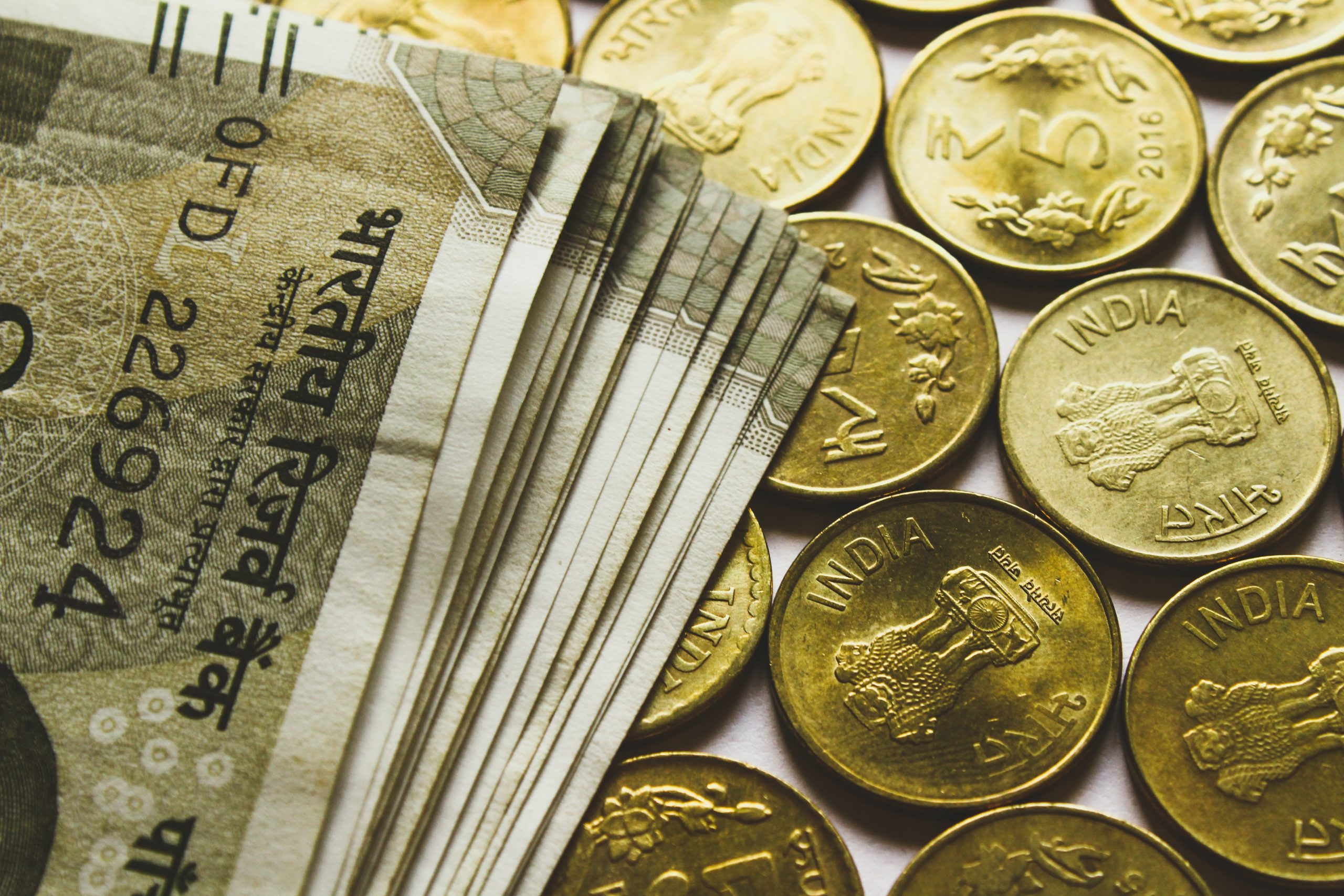 demó pénz keresése