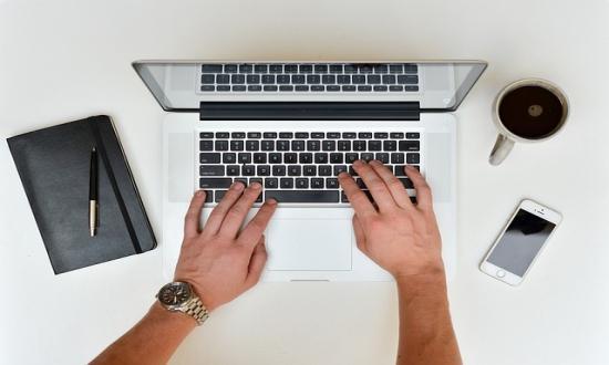 Tényleg túlterhelhetjük az internetet azzal, hogy otthon vagyunk?