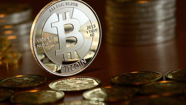 lehet-e pénzt keresni bitcoinokkal)