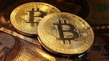 hány dollár bitcoin ma