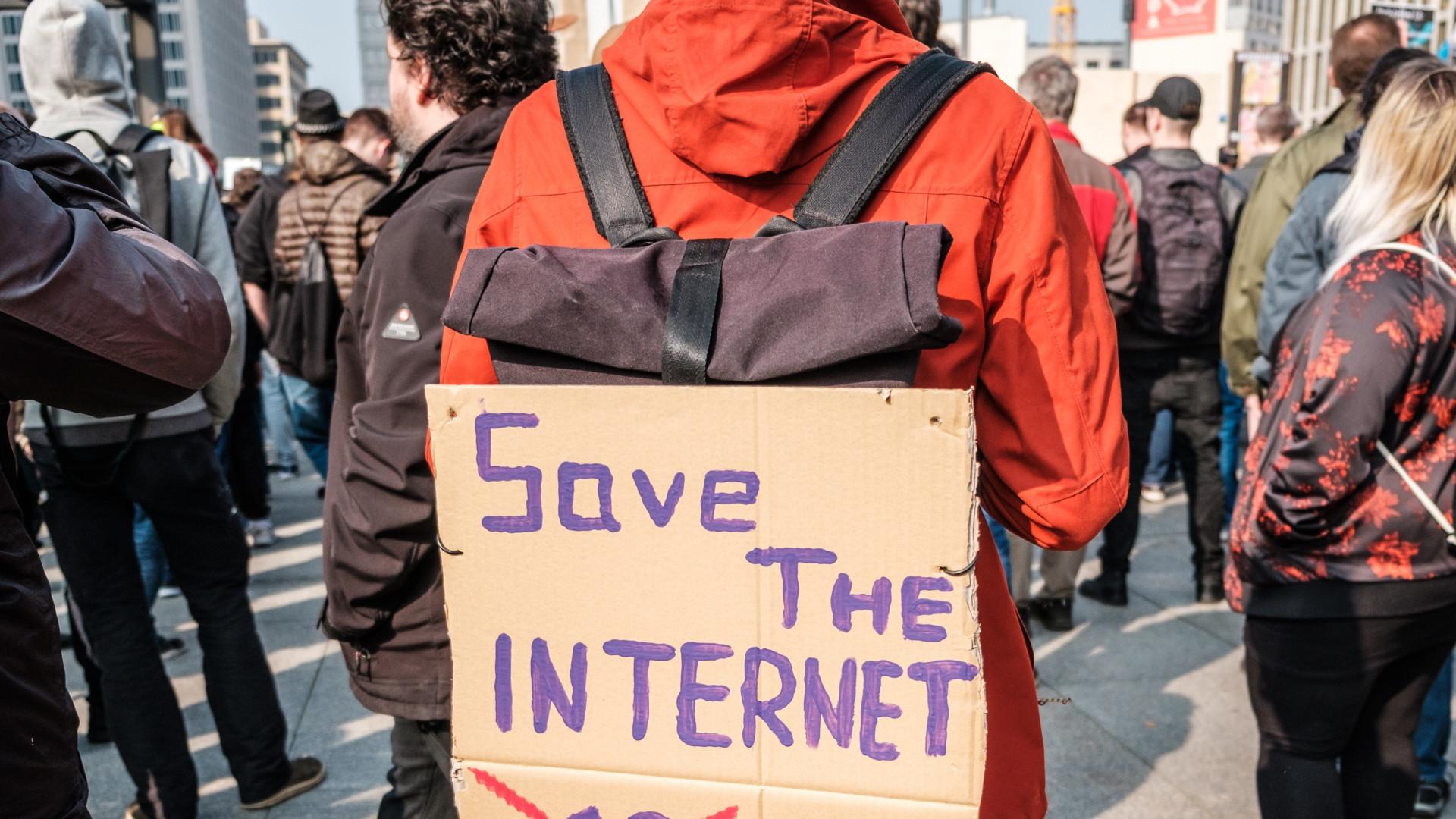 kereset jó internettel)