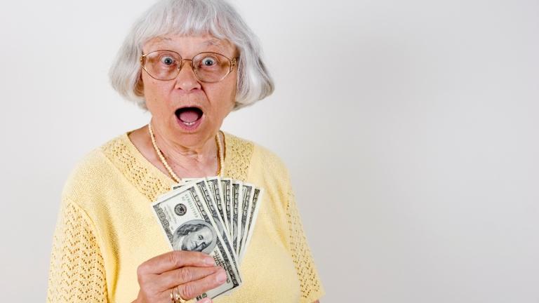 mit kell tennie nyugdíjasként, hogy pénzt keressen